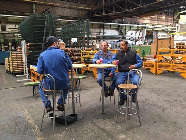 Ouvriers de l'usine Semperit