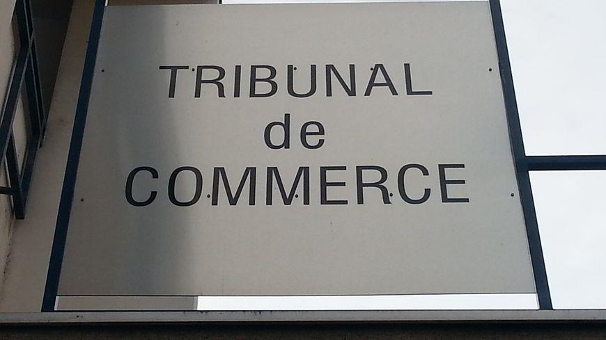Dr me un sursis pour les 53 salari s de bcbg max azria - Tribunal de commerce salon de provence ...