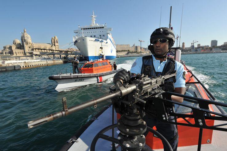 Patrouille de la gendarmerie maritime à Marseille, en octobre 2011