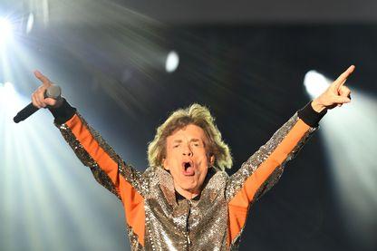 Mick Jagger, arrogant et intrépide, a alors 26 ans.
