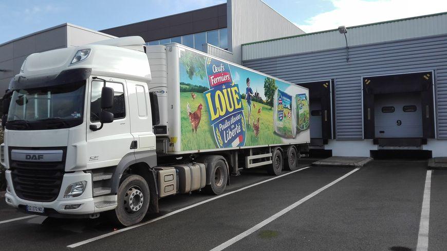 Le quai logistique du centre de conditionnement des œufs de Loué à la Bazoge dans la Sarthe