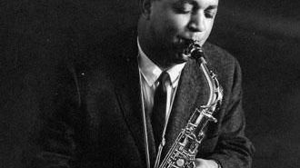 Oliver Nelson (1932-1975) saxophoniste, compositeur, arrangeur de jazz américain a travaillé avec des artistes de musique soul, rhythm and blues, funk, pop, pour le cinéma et la télévision.