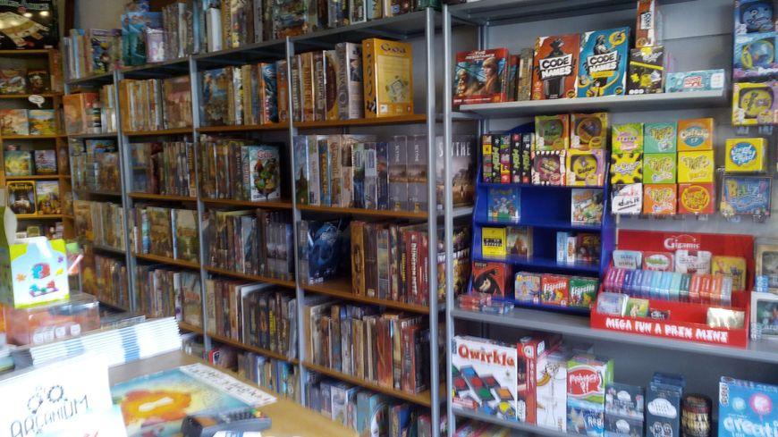 Les boutiques spécialisées se voient proposer de nouveaux jeux chaque semaine
