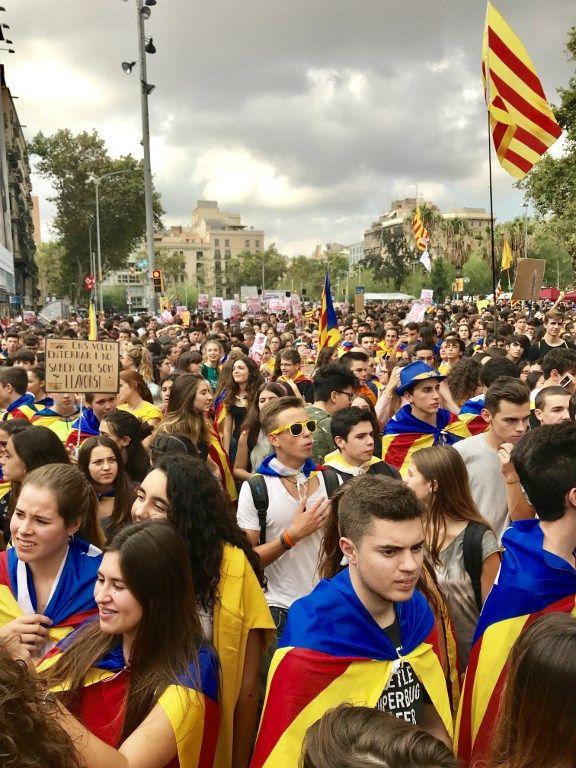 Démonstration de force des étudiants et lycéens indépendantistes dans les rues de Barcelone