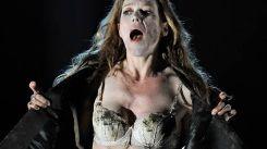 """Coucou la voilà ! Barbara Hannigan est Ophelia dans """"Hamlet"""" (Direction : Vladimir Jurowski - Glyndebourne Opera House - 11 Juin 2017).... Mais elle chante aussi BRITTEN !"""