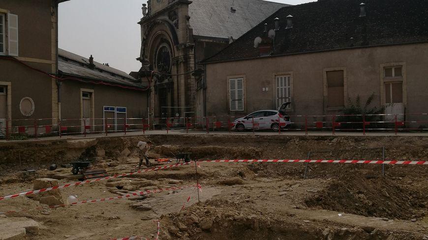 Les fouilles sur l'ancien hôpital général de Dijon