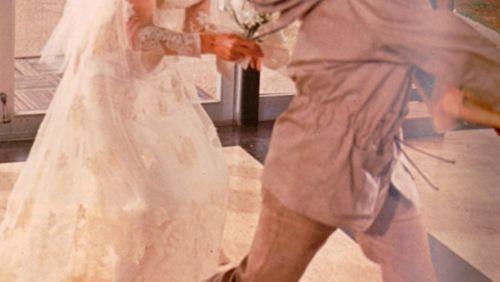 Épisode 3 : Se marier rend-il plus heureux ?