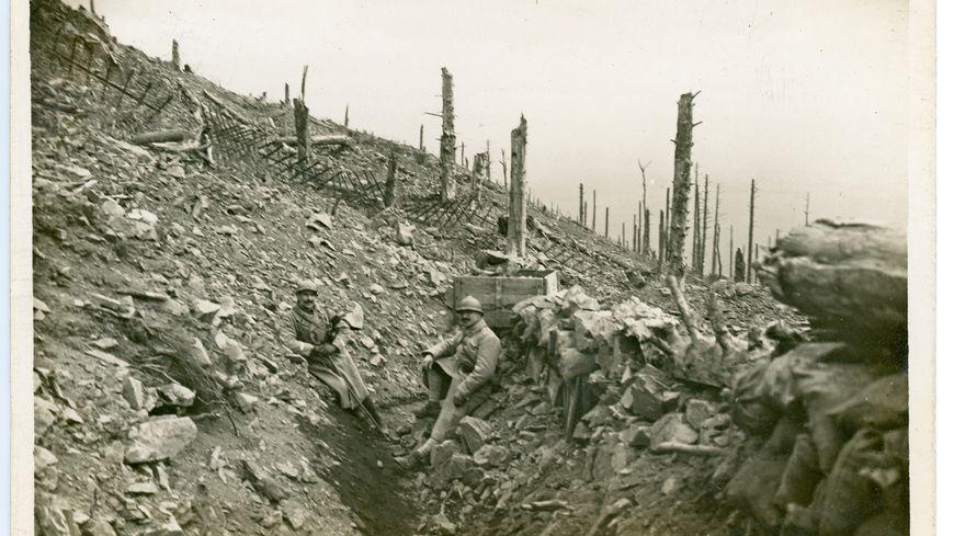 Un soldat dans les tranchées du Hartmannswillerkopf.