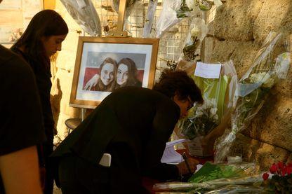 Aux obsèques de Mauranne, assassinée avec sa cousine Laura à Marseille