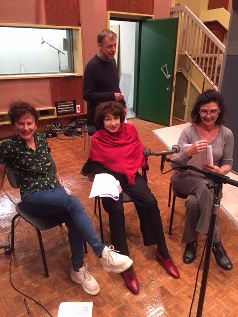 Répétions avec Nicole Sigal (à gauche), Judith Magre (au centre) et Anne Canovas (à droite), en arrière le réalisateur Michel Sidoroff