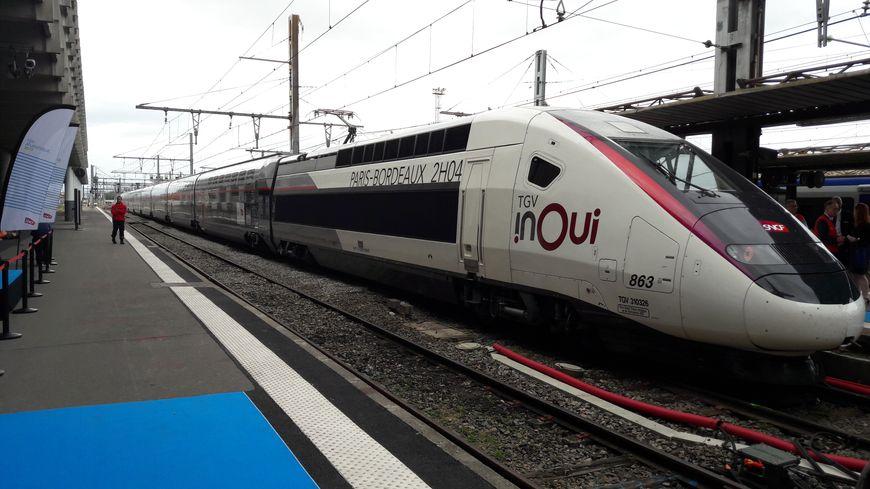 Grosse action de communication, autour de la présidente de la région Occitanie, ce mercredi, en faveur de la ligne à grande vitesse entre Bordeaux et Toulouse.
