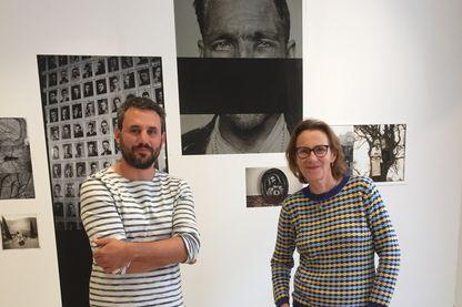 Mathieu Farcy, photographe et Marie Desplechin, écrivaine et journaliste dans l'Agence Signatures à Paris (11ème).