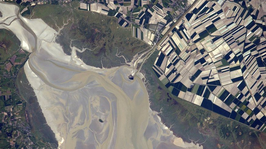 Thomas Pesquet a partagé son amour pour la Normandie à travers les réseaux sociaux (ici, le Mont-St-Michel vu de l'espace).
