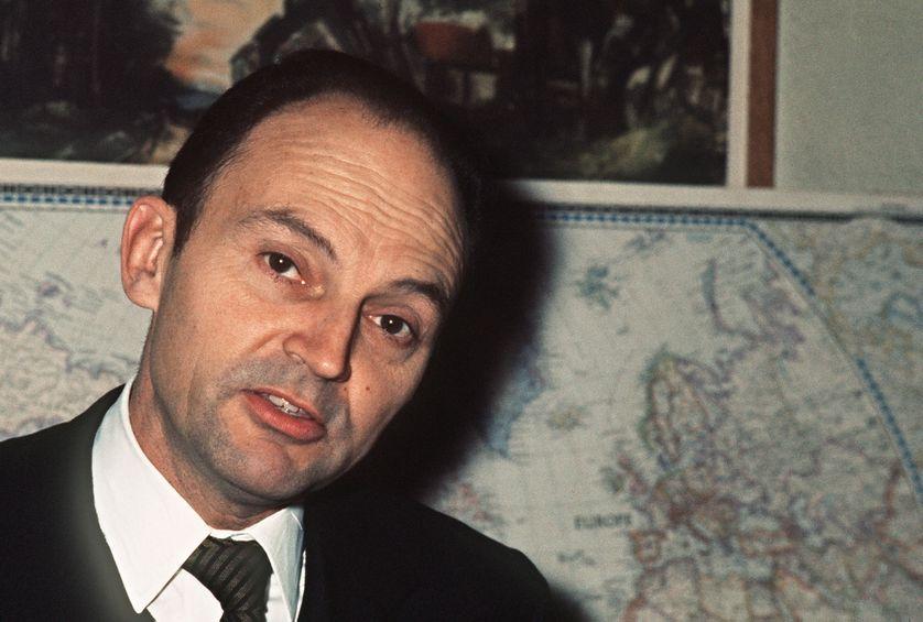 Portrait de Michel Tournier, écrivain français, pris en février 1972.