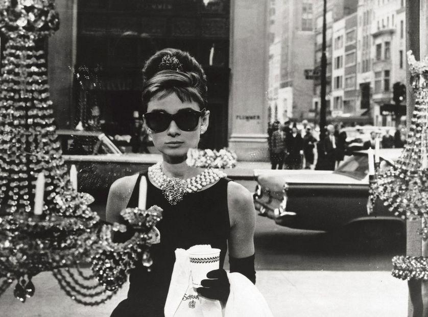 Audrey Hepburn, dans Diamants sur canapé (Breakfast at Tiffany's).