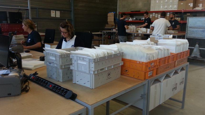 Le nouvel entrepôt de 500 m2, à Vierzon, où Ledger expédie les commandes dans le monde entier.
