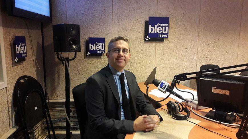 Le président de la Métropole grenobloise Christophe Ferrari (PS) était l'invité de France Bleu Isère ce lundi matin