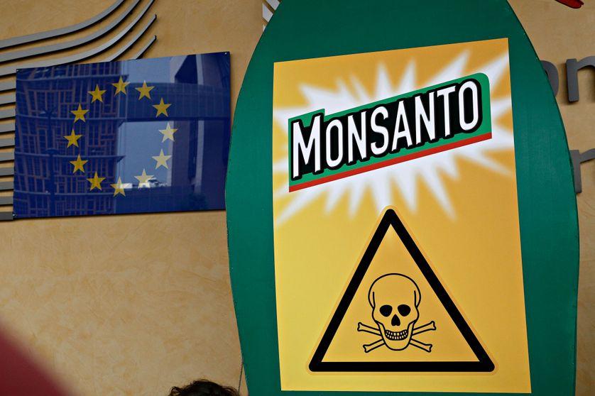Manifestation contre le fabricant du Glyphosat, devant l'entrée de la Commission européenne à Bruxelles l'été dernier