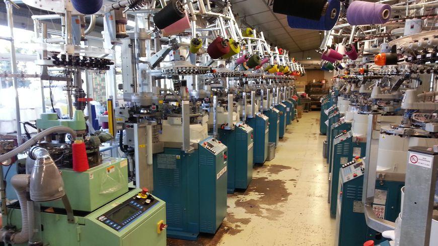 L' usine Broussaud installée aux Cars fabrique des chaussettes et des collants depuis 1938
