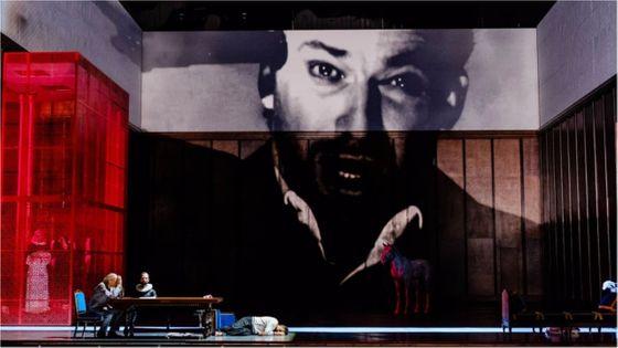 La version originale en français de Don Carlos est à l'affiche pour la première fois de l'Opéra-Bastille, avec Jonas Kaufmann dans le rôle-titre...