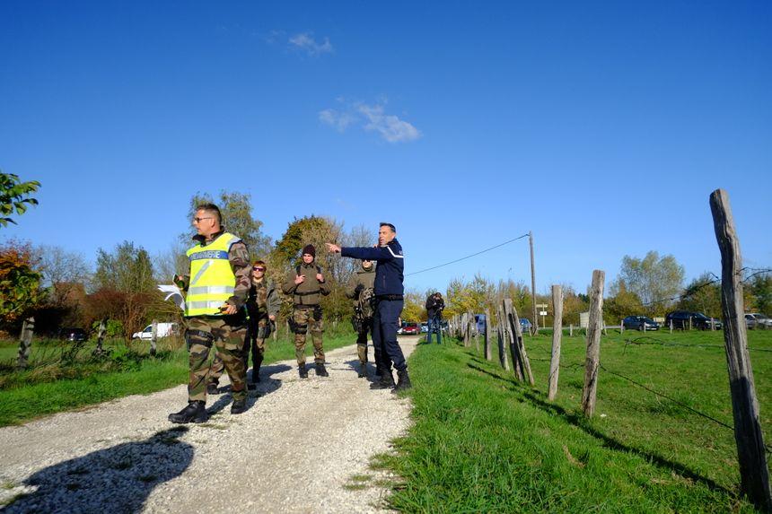 200 personnes encadrées par une vingtaine de militaires ont participé à la battue ce lundi