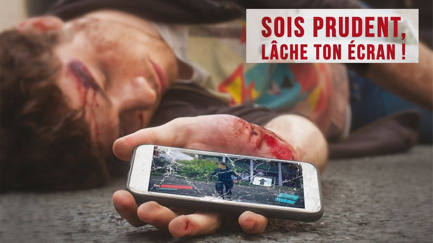 """Ce clip """"Sois prudent lâche ton écran !"""" vise à prevenir des dangers liés à l'usage du téléphone portable par les jeunes piétons."""