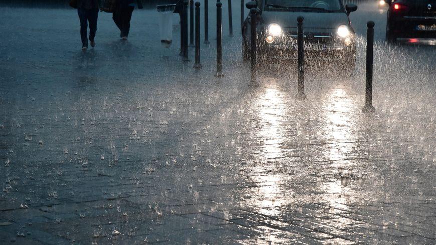vigilance orange aux orages pluies et inondations sur l 39 h rault suivez la situation en direct. Black Bedroom Furniture Sets. Home Design Ideas