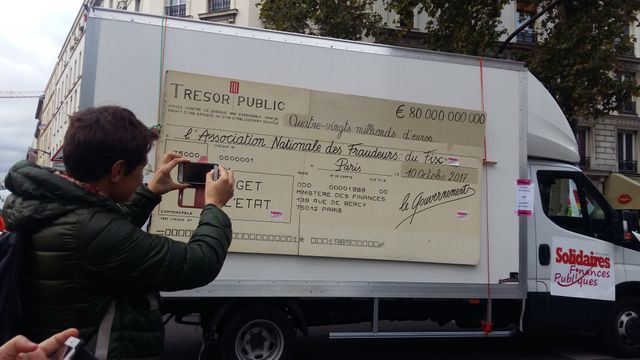 Camion du syndicat Solidaires