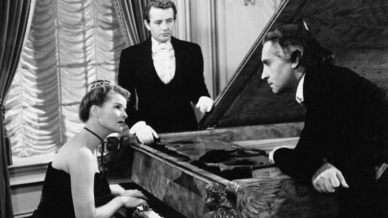 Katharine Hepburn (Clara Wieck Schumann), Robert Walker (Johannes Brahms) et Paul Henreid (Robert Schumann) / film Song of Love