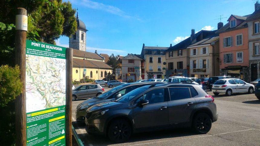 Dans le centre de la commune, les habitants restent marqués par la disparition de Maëlys.