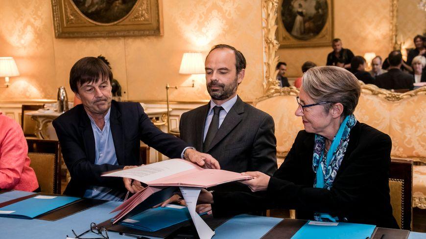 Le Premier ministre Edouard Philippe, entouré de Nicolas Hulot et Élisabeth Borne (illustration)