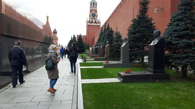 Julia, 37 ans, visite pour la première fois le mausolée de Lénine Claude Bruillot
