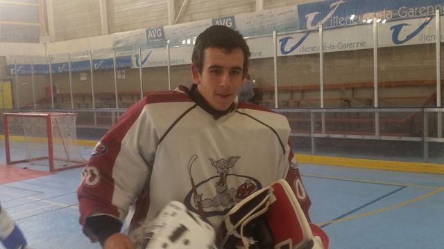 Hugo Clément, fan de hockey sur glace, recalé de la filière STAPS en 2017.