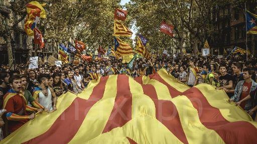 Le Parlement proclame l'indépendance de la Catalogne