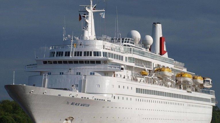 Ce paquebot est le dernier de la saison à Lorient, dix navires sont attendus l'année prochaine dans le port morbihannais.