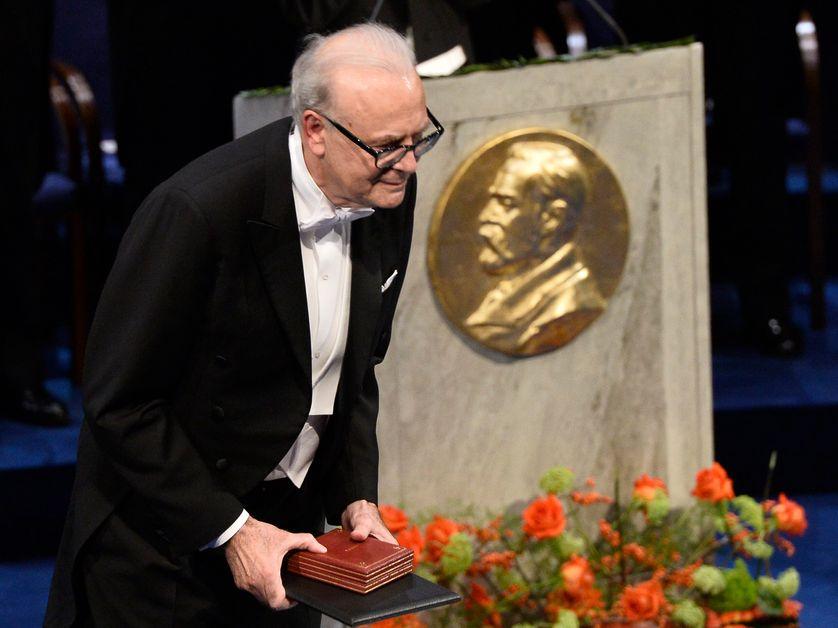 Patrick Modiano tout juste nommé Prix Nobel de littérature, le 10 décembre 2014, à Stockholm en Suède.
