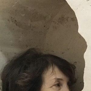 """Photo de Noëlle Chabert, prise au Palais de Tokyo, à la suite de la performance d'Abraham Poincheval """"Pierre""""(2017)"""