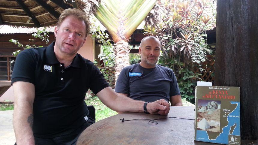 Yann Jondot (à g.) et Arnaud Chassery (à d.), installés autour d'une table.