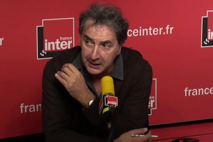 François Morel rend hommage à Jean Rochefort