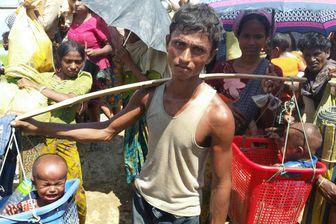 Les enfants sont portés à bout de bras, dans des seaux ou des corbeilles. Beaucoup arrivent complètement déshydratés. Certains ne survivent pas.
