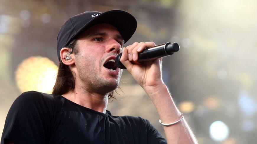 Le rappeur orelsan rend hommage caen dans son dernier album for Dans ma ville on traine