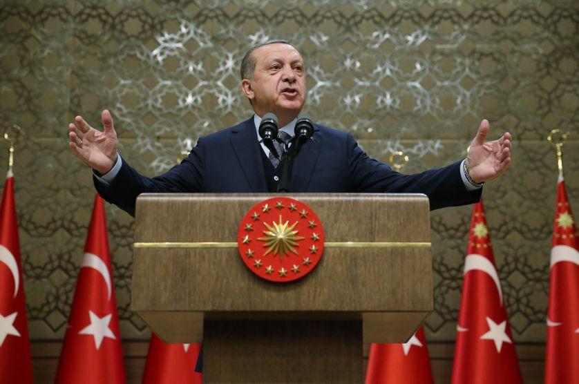Recep Tayyip Erdogan, à la tribune de son propre palais présidentiel
