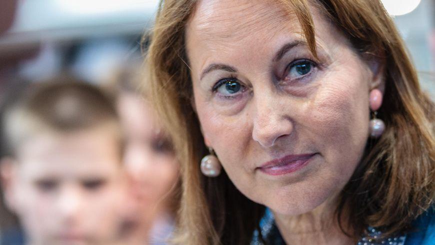 L'ex-ministre de l'environnement et actuelle ambassadrice pour les pôles Ségolène Royal était l'invitée de France Bleu Isère ce mardi matin