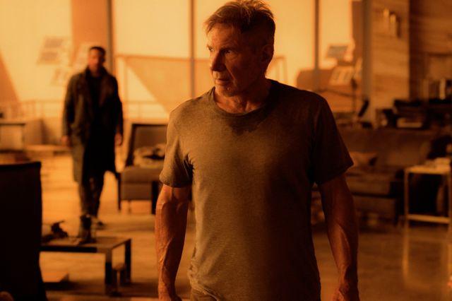 "Harrisson Ford dans ""Blade Runner 2049"" de Denis Villeneuve. Au fond, Ryan Gosling"