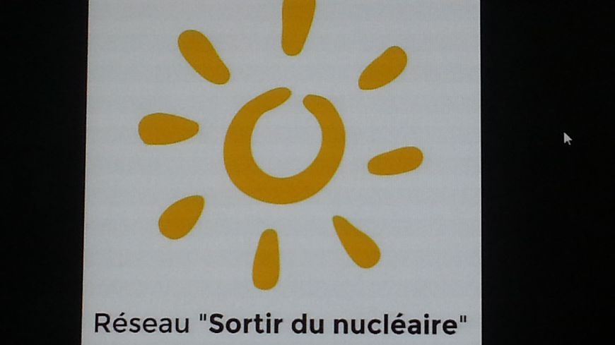 Le réseau Sortir du Nucléaire veut inciter EDF à mettre les moyens nécessaires pour la maintenance de la centrale de Belleville sur Loire, dans le Cher.