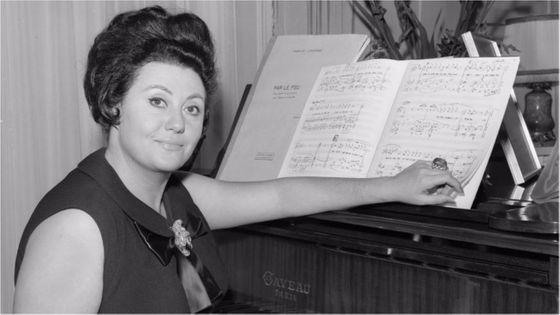 """""""Je voudrais que l'on se souvienne de moi comme d'une artiste sérieuse et honnête, avec un legato extraordinaire - comme on l'a écrit - et une grande joie de vivre..."""" Régine Crespin"""