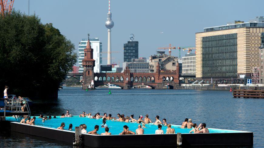 Le concept de la Badeschiff de Berlin pourrait arriver jusqu'à Strasbourg