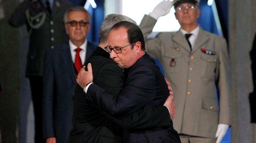 François Hollande et Joachim Gauck dans la crypte du Hartmannswillerkopf, le 3 août 2014.