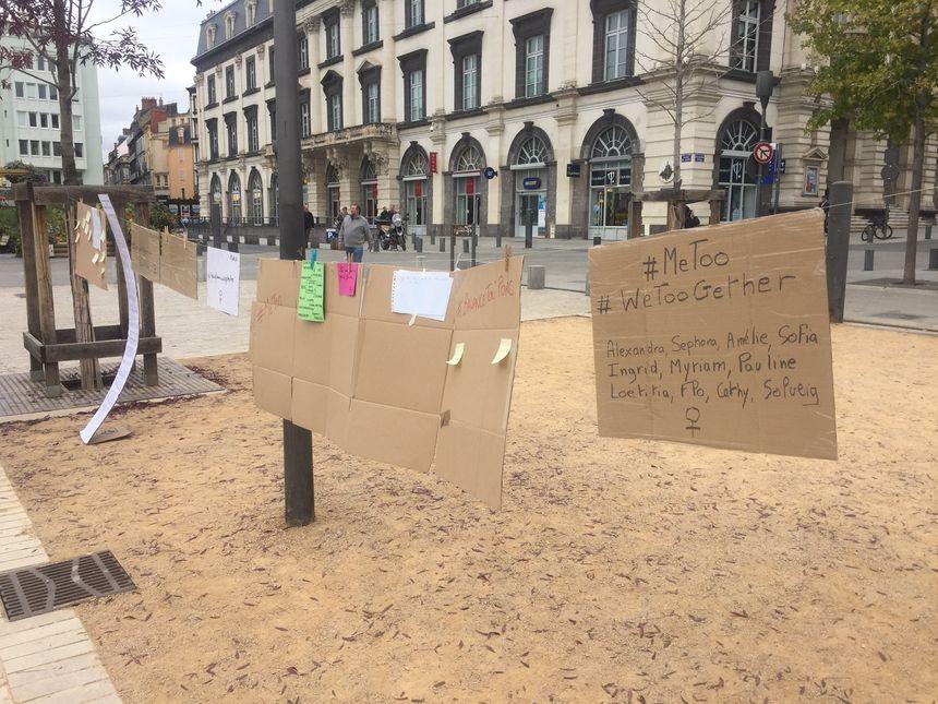 Les victimes ont pu raconter, écrire leur histoire sur des panneaux.