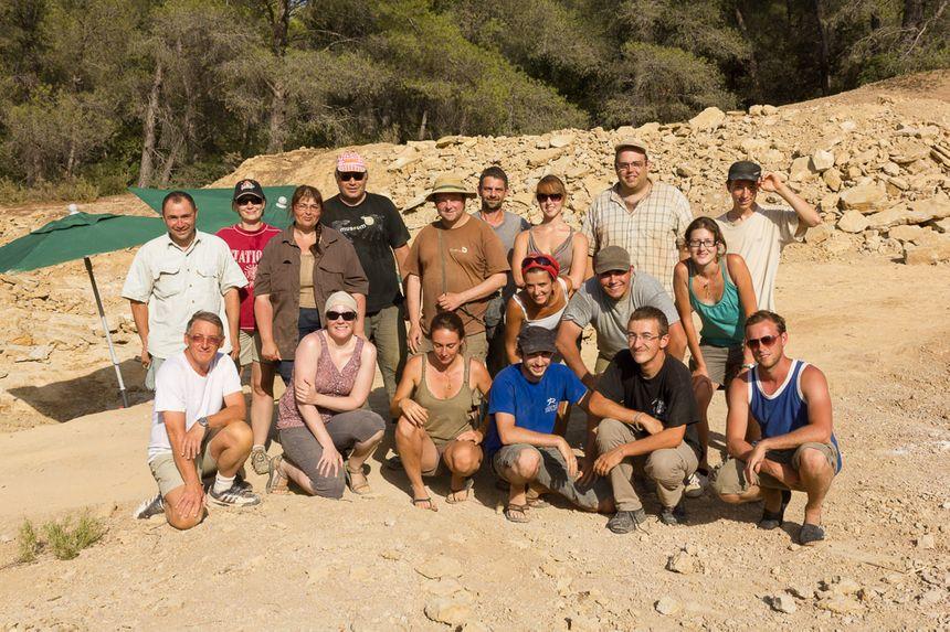 L'équipe de chercheurs franco-belges sur le lieu des fouilles en 2012 - Aucun(e)